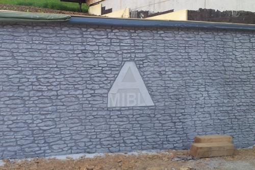 Potiskana betonska stena