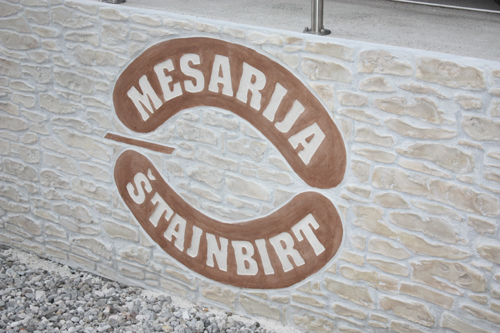 Mesarija Štajnbirt – betonski zid